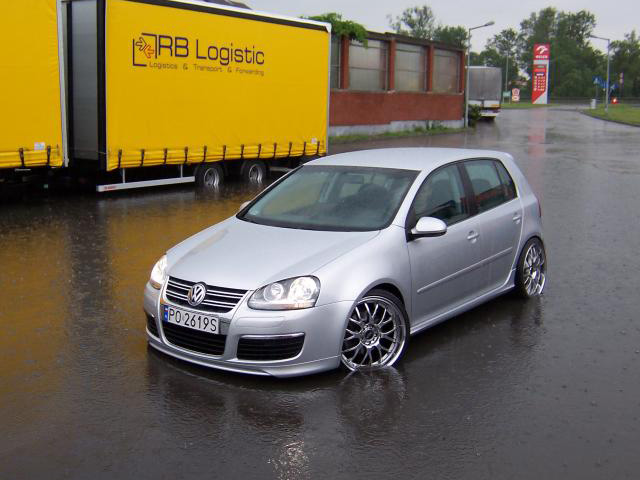 Mk5 Gti Honeycomb Grille On R32 Interior And Exterior R32oc Vw Golf R32 Golf R And Other R Vehicle Owners Club
